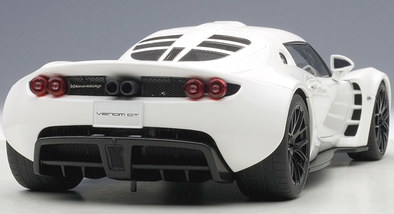 autoart 1 18 hennessey venom gt spyder white 75404 can grand prix miniatures. Black Bedroom Furniture Sets. Home Design Ideas