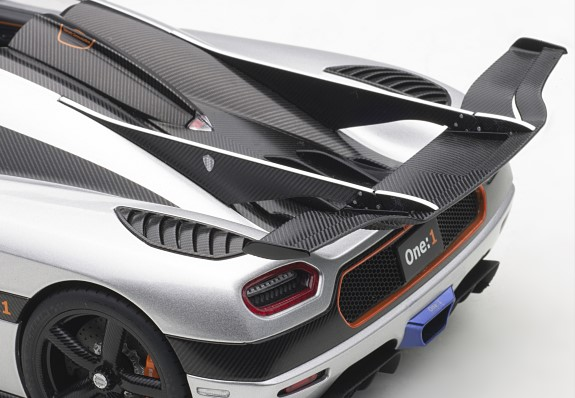PRE AUTOART 79017 1:18 KOENIGSEGG ONE:1 MOON GREY//CARBON BLACK //ORANGE ACCENTS